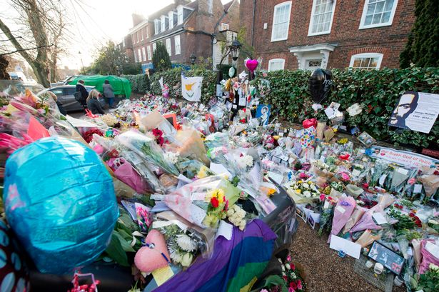Flowers-at-home-of-George-Michael-in-Highgate-London